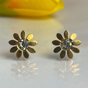 Flower 🌸 design Gold plated earring 😊
